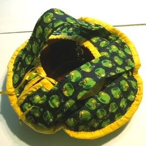 "17"" Green Apple Yellow Trim Blue Quilted Casserole"
